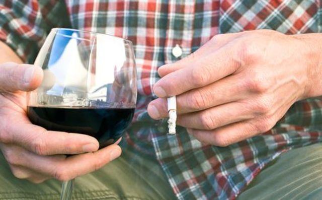 Вредные привычки повышают риск развития эректильной дисфункции