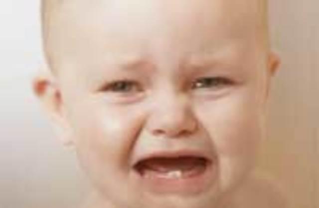 Почему у ребенка при прорезывании зубов понос