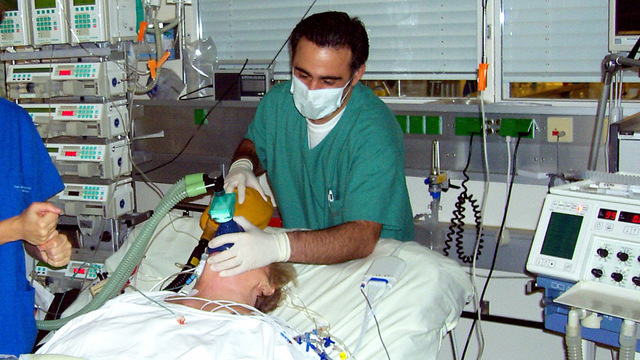 Врачи предупредили о высоком риске осложнений у перенесших COVID-19 в тяжёлой форме