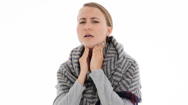 Тонзиллит: что это за болезнь и как вылечить свое горло?