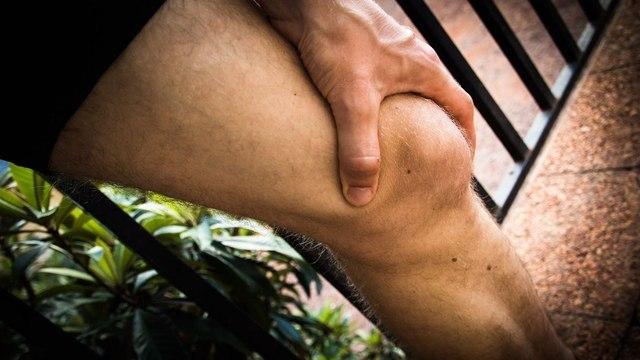Боли в суставах: причины и лечение