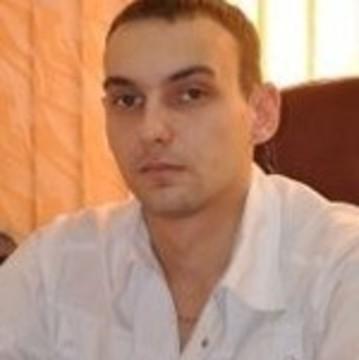 Ларионов Евгений