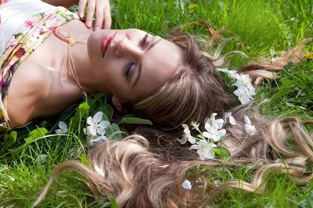 Выделения из влагалища с запахом, неприятный кислый запах, зуд и выделения из влагалища с запахом