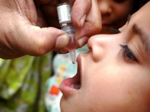 Талибы запретили [прививать пакистанских детей от полиомиелита]