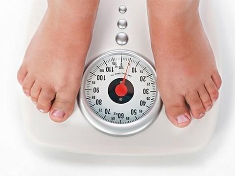 На планете живет больше толстых людей, чем худых