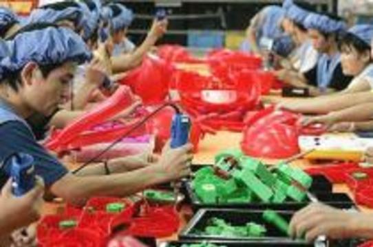 Более четверти китайских товаров для детей [признаны опасными]
