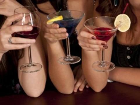 Сенатор от Аляски предложил обеспечить местные бары [тестами на беременность]