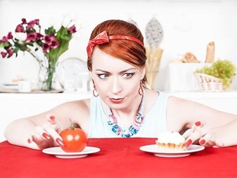 К 30 годам женщины проводят на диетах не менее трех лет