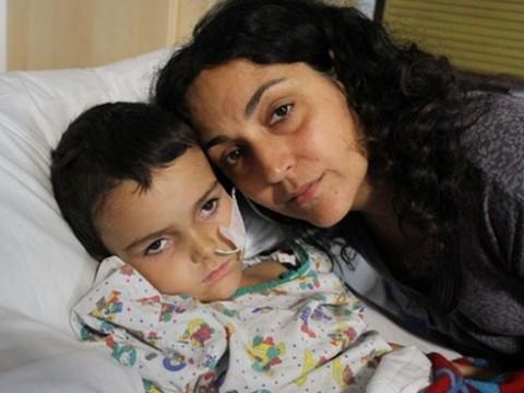 Родителей больного раком пятилетнего британца [освободили из испанской тюрьмы]
