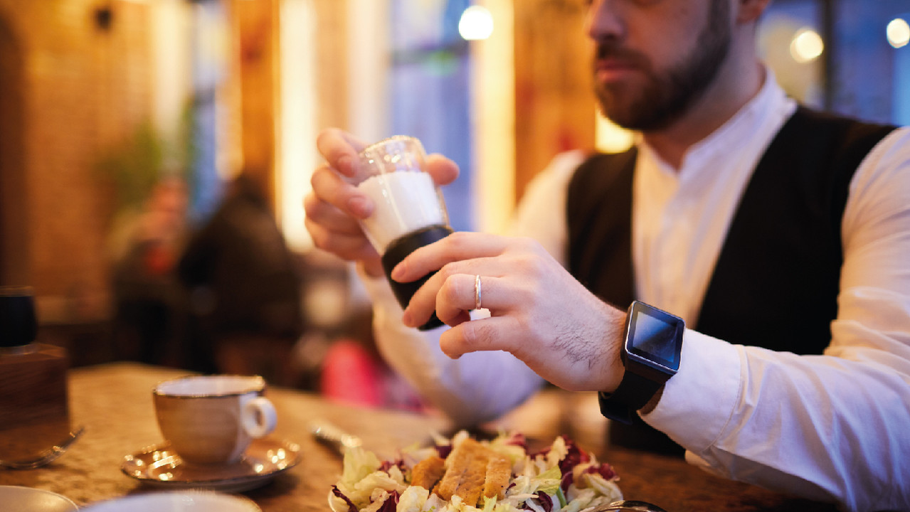 Сколько соли нужно убрать из диеты, чтобы снизилось давление – исследование
