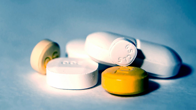 Жизненно важные препараты российского производства могут исчезнуть с прилавков