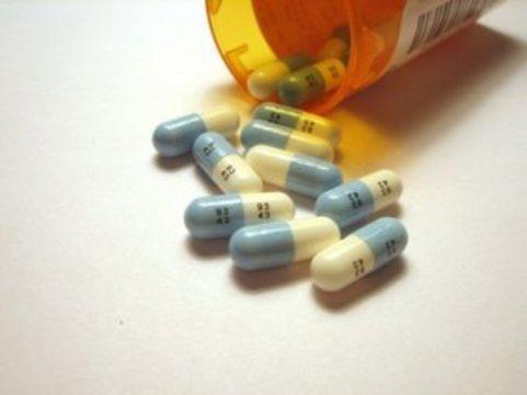 Пациенты с ВИЧ просят Медведева изменить [правила проведения клинических исследований]