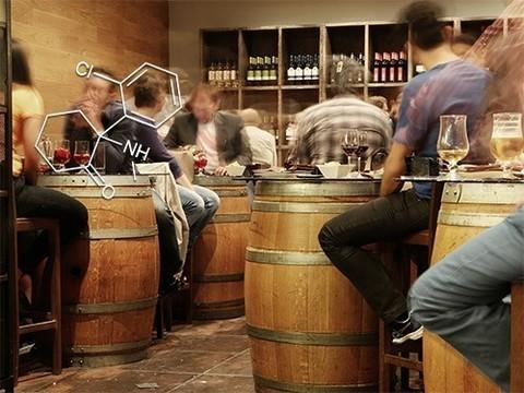 В эксперименте кетамин помог алкоголикам пить меньше