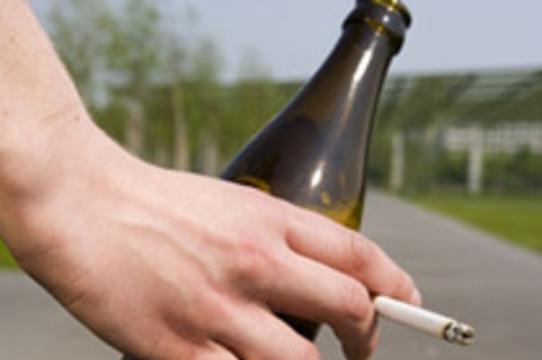 Злоупотребление алкоголем и курение [приближают старческое слабоумие]