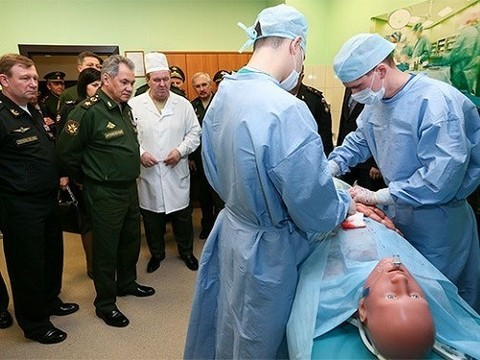 Шойгу поручил сделать военную медицину лучшей в России