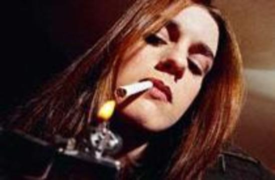 Норвежские девушки слишком много курят