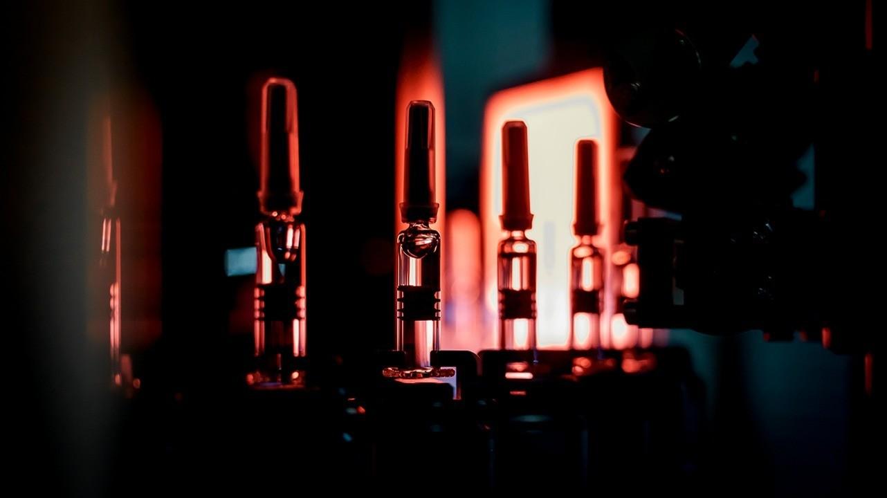 «Петровакс» и CanSino Biologics начали клиническое исследование вакцины от COVID-19 в России