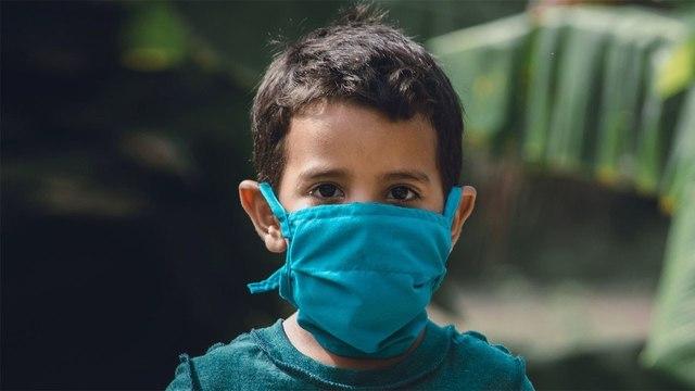 Американские медики обновили рекомендации по диагностике и лечению COVID-19 у детей
