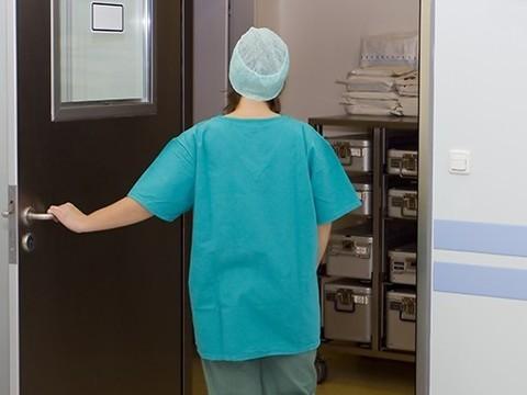 Уволен главврач больницы Артема, где скончался пожилой пациент