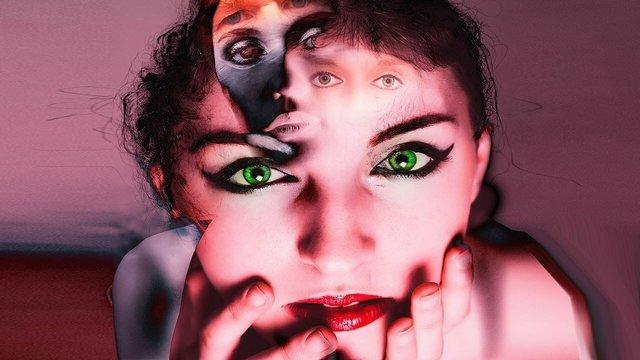 Совсем не ПМС... Как распознать первые признаки шизофрении у женщины?