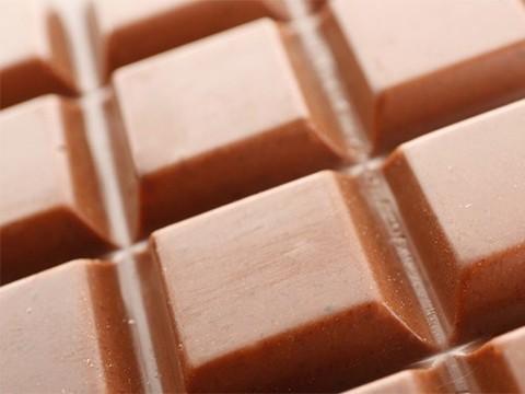 Молочный шоколад станет таким же полезным, как и горький