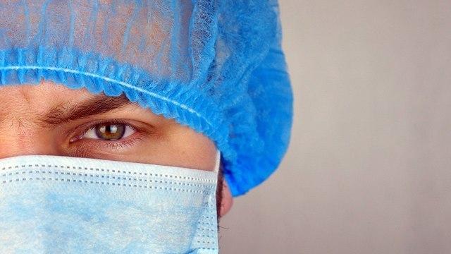 От «доверяю стране» до «не хочу быть лабораторной крыской»  – медики о вакцине «Спутник V»