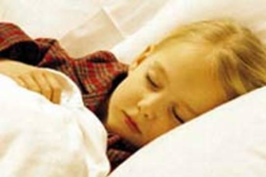 Недосып у ребенка может привести к хронической головной боли