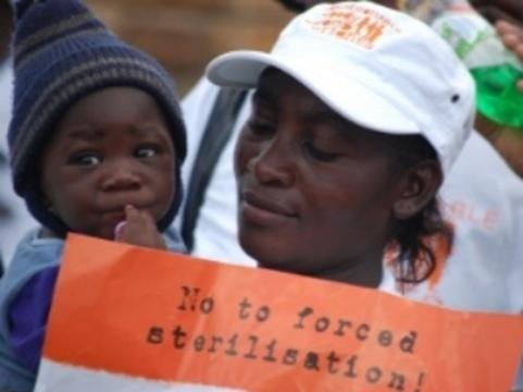 Правозащитники обвинили власти Намибии [в стерилизации ВИЧ-инфицированных]