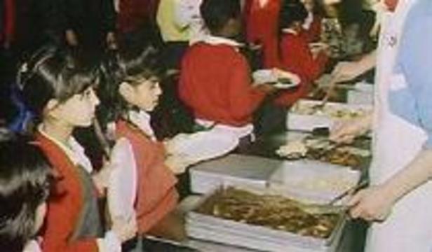 Коровьим бешенством детей заражали в школе