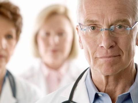 Пенсии по выслуге лет для медиков могут уйти в прошлое