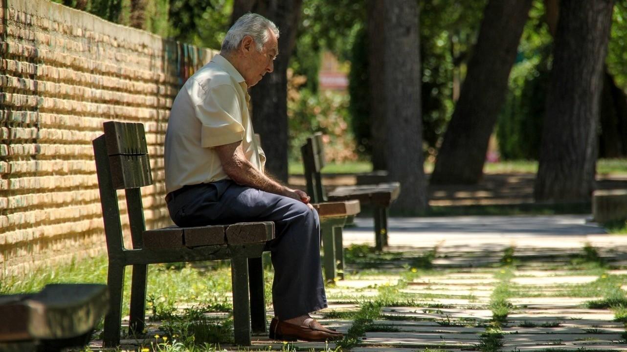 У одиноких и социально изолированных мужчин повышен риск развития рака
