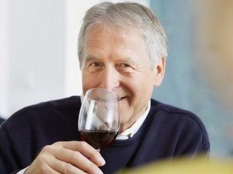 Алкоголь снижает риск развития [сердечной недостаточности]