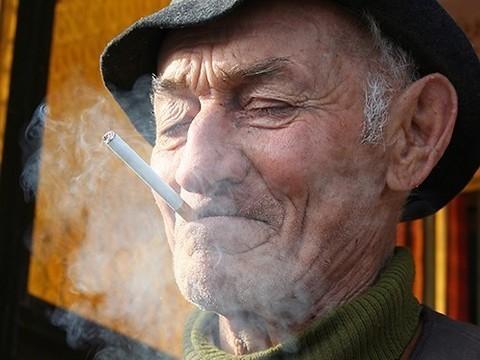 Курение, недостаток сна и сидячий образ жизни вошли в список факторов, укорачивающих жизнь