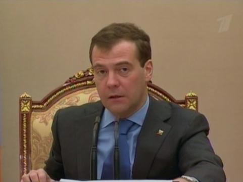 Медведев не нашел медкабинетов [в каждой третьей российской школе]