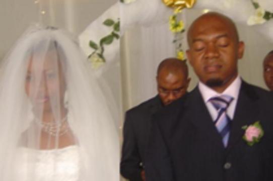 Нигерийских новобрачных будут венчать только после теста на ВИЧ