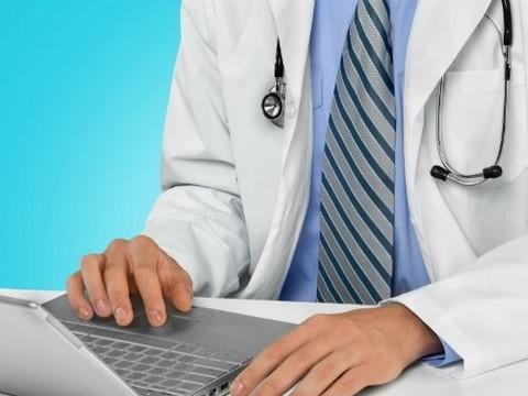 Поликлиники Москвы за 2015 год выписали более 10 млн электронных рецептов