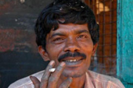 Индии предсказали [миллион связанных с курением смертей в год]