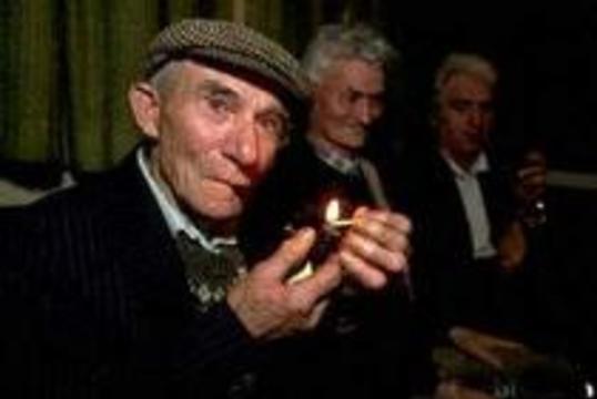 Британским клубным завсегдатаям объяснят, что такое сигареты