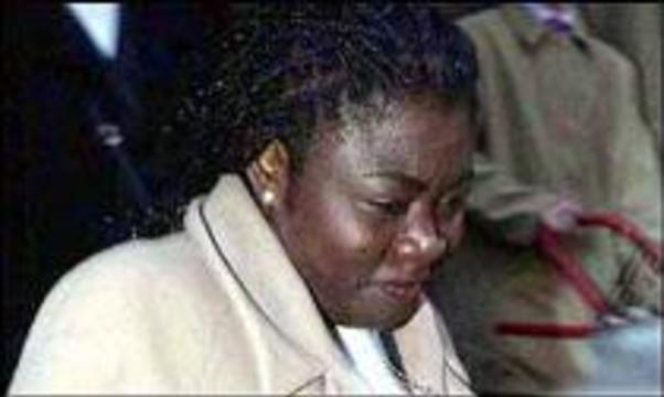 Мать двоих детей подает в суд на производителя презервативов