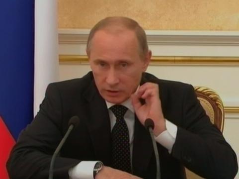 Путин предложил [переаттестовать всех врачей за четыре года]