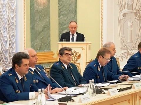Глава ФСКН предложил упростить [продажу наркосодержащих лекарств]