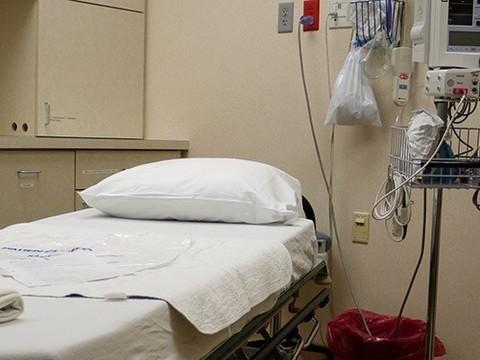 Французские депутаты одобрили мягкую эвтаназию для безнадежных пациентов