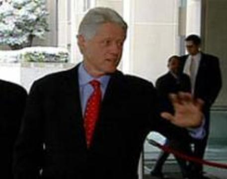 Биллу Клинтону требуется еще одна операция