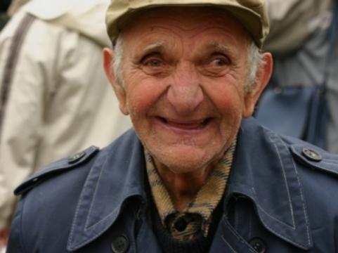 Антипсихотики при старческом слабоумии [предложили заменить обезболивающими]