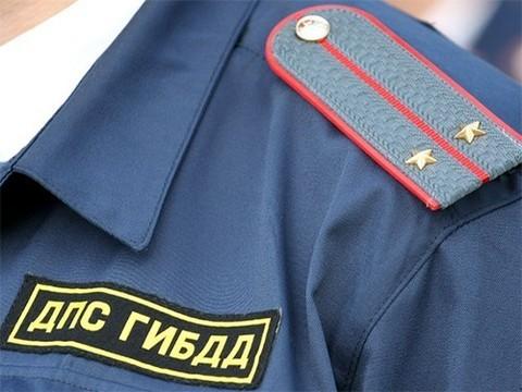 Инспектор ДПС не пропустил «скорую» из-за проезда кортежа