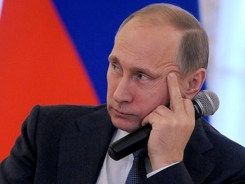 Регионы не могут повысить зарплаты врачей до 200%, несмотря на указ Путина