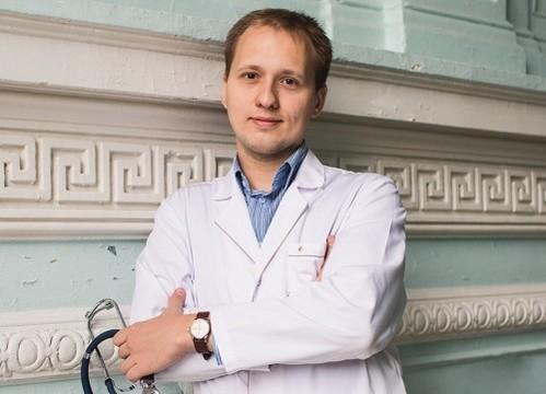 Молодые врачи. Педиатр Роман Поликарпов