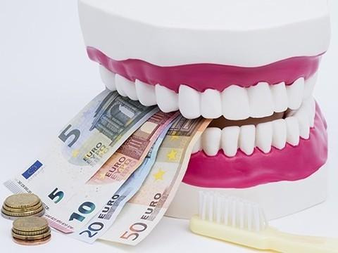 В Чите местные стоматологи выплатят женщине 65 тысяч рублей