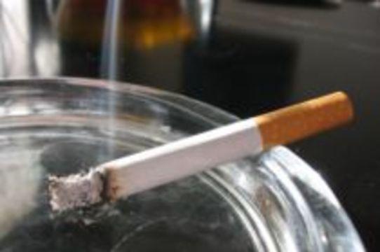 [37 процентов россиян] являются постоянными курильщиками