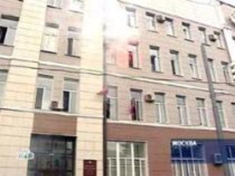 Национал-большевики ворвались в здание Минздрава